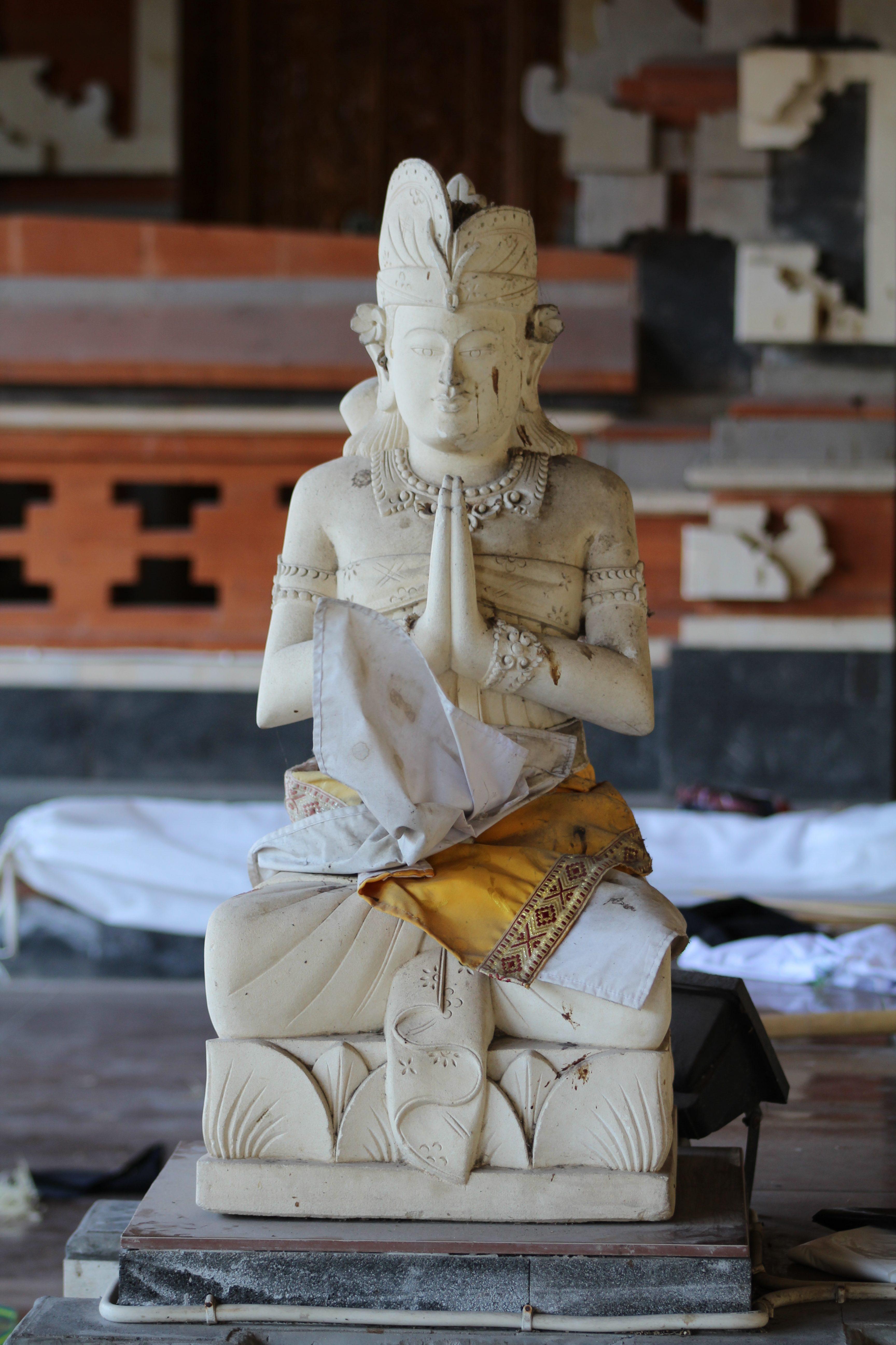 Kuta Temple statue